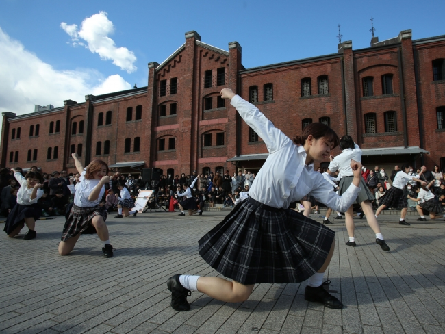 日本女子体育大学ダンス・プロデュース研究部『Bongo,Bongo,pphases』 Photo.Tsukada Youichi