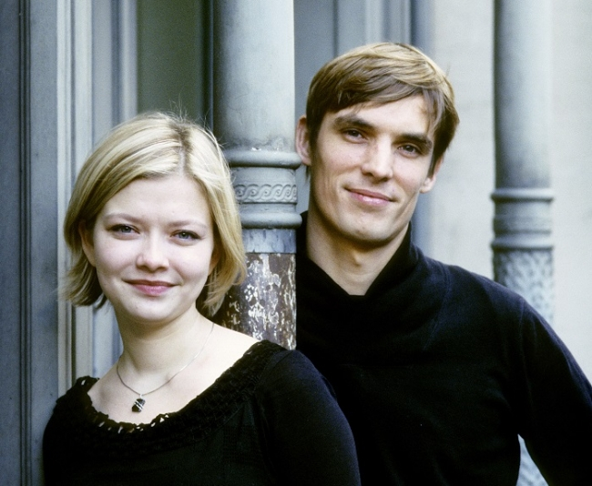 アリーナ&セドリック(C)Sussie Ahlburg
