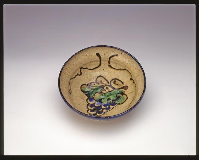 バーナード・リーチ『楽焼葡萄文深鉢』 1914年 エピソード「富本憲吉は生涯の友」