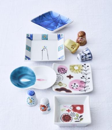 「九谷陶泉」クタニシンブル(指貫)5,400円から、「金澤女子店舗」と九谷焼女性作家のコラボレーションした豆皿 1,404円から