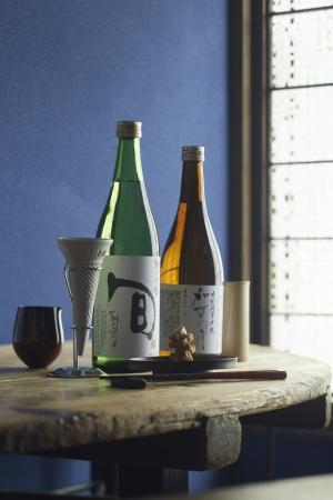 酒匠・唎酒師が提供する酒への こだわりと酒器を楽しめます。 「和酒BAR縁がわ」 地酒と肴セット (日本酒2種+酒肴1品)1,501円から