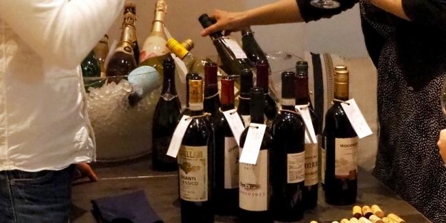 過去のワイン持ち寄りイベントの様子