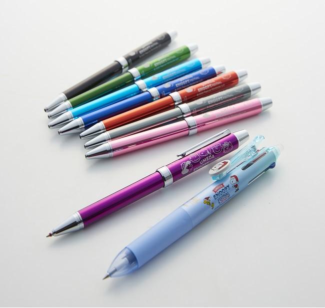 カスタマイズでネーム入れ(有料) も。 「パイロット」多機能筆記具エボルト 2色(赤・黒)ボールペン+シャープペン各2,090円、フリクション ボール4色ペン1,320円