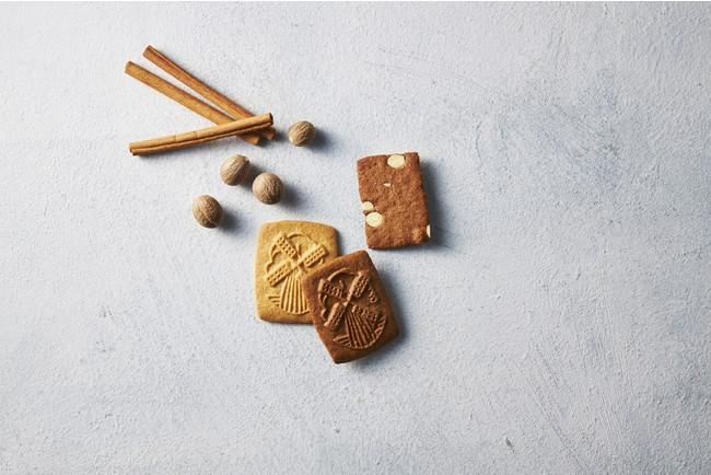 「メゾンダンドワ」 シナモンやグローブが効いた、ベルギーの伝統的なスベキュロスはコーヒーとの相性ぴったり。 アソート缶(スベキュロス4枚、スベキュロスバニラ3枚、アーモンドブレッド11枚、計18枚入り)2,970円(各日35) 販売期間:3月3日(水)~9