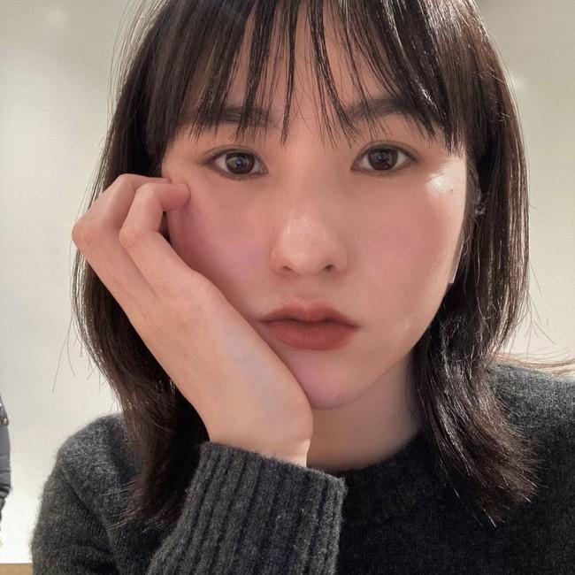 ユイ: カフェが大好きな韓国女子。 休日にはピラティスも。 @yyuiom_