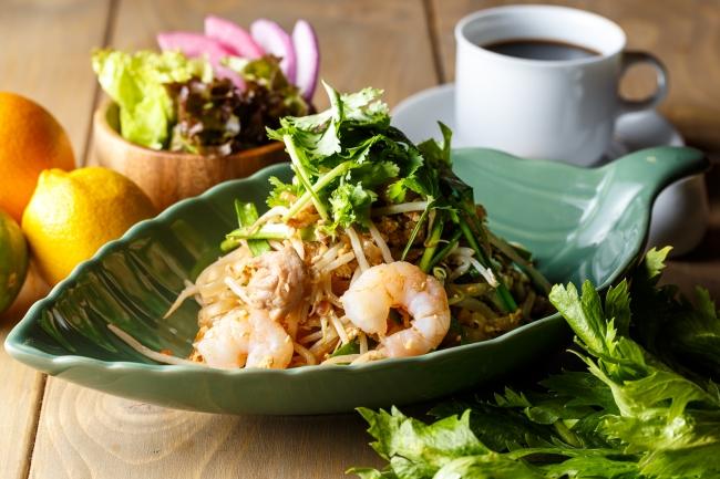 パッタイ ~タイ風海鮮焼きビーフン