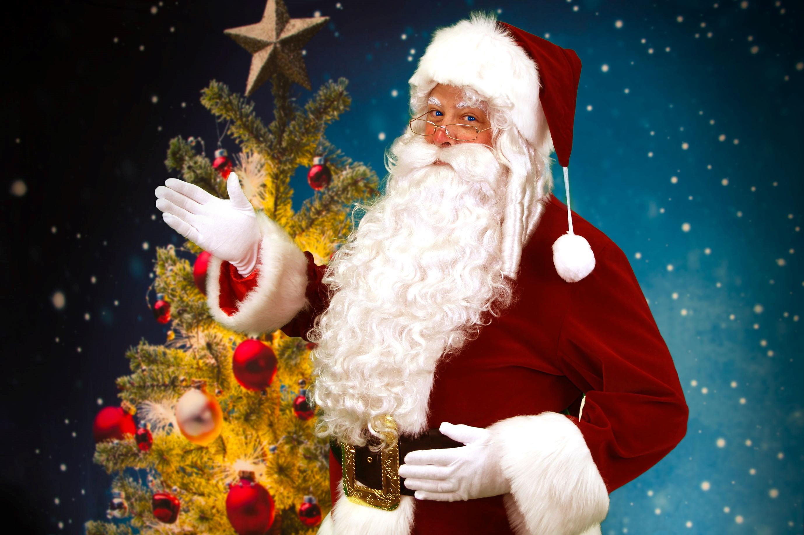 クリスマスイブの奇跡。サンタクロースがお部屋にプレゼントを届けます ...