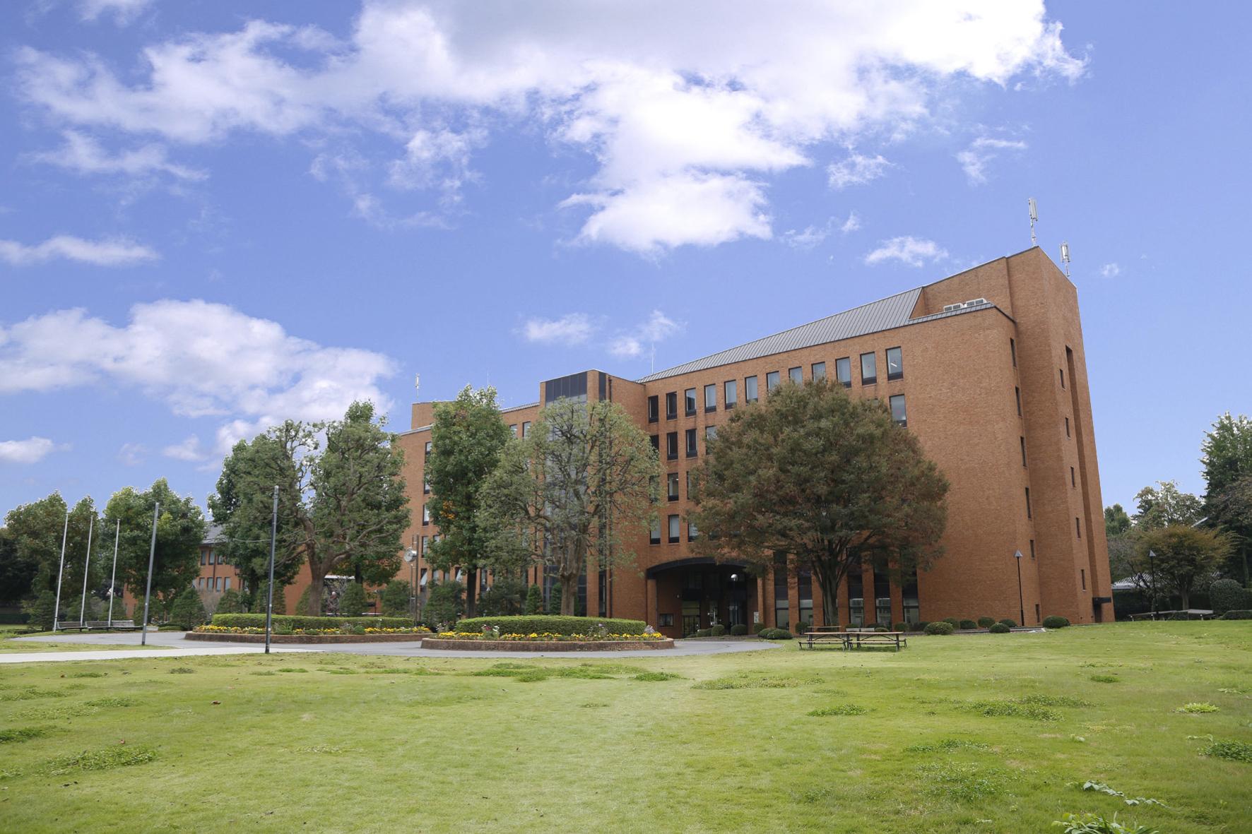 澤 大学 麗