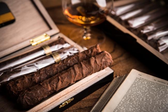 定番のシガーショコラ『Cigar』の父の日限定商品。