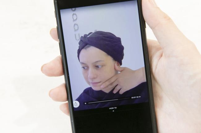 レッスンの様子を自分のスマートフォンへ配信、 自宅で確認ができる。