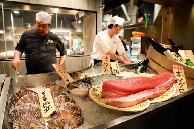 鮮度にこだわった海鮮は。地元市場から毎日直送