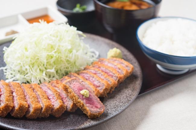 『元祖牛カツ膳』:1,380円(+税)