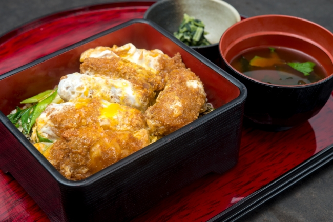 『京都勝重』:1,380円(+税)