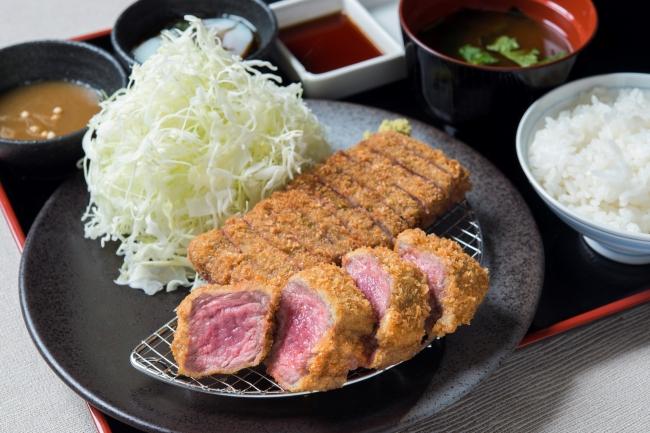 『牛カツ相盛り膳』:1,480円(+税)