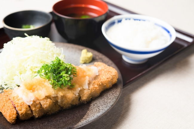 「みぞれ牛カツ膳」:1,350円(+税)