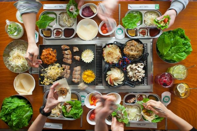 サムギョプサル×トッピング×包み野菜の豊富な組み合わせは1万通り!