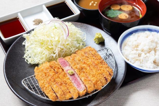「牛リブロースカツ膳」:1380円(+税)