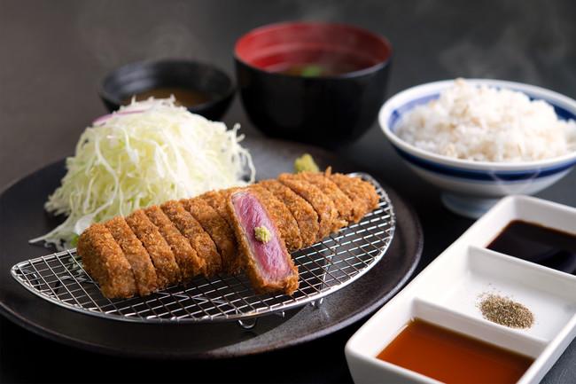 京都発の牛カツ専門店。極上牛カツを定食スタイルで。