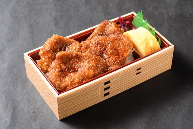 たれカツ弁当【豚】780円(+税)【牛】1000円(+税)