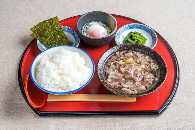 牛吸い・温玉朝定食:500円(+税)