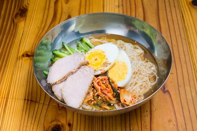【ベジテジ冷麺】ほのかな酸味と辛みが口の中をすっきり!