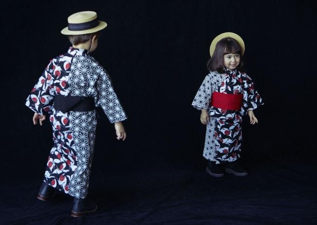 """""""YUKATA"""" 左:tsuru sumi for kids 右:tsuru aka for baby"""