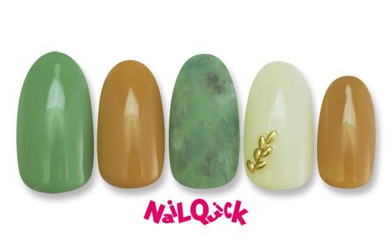 <抹茶のブラウニー コラボレーションネイル> 秋色ファッションの指先にグリーンとマスタードカラーでアクセント