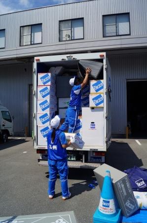 用意された約5㎥の家財をトラックの荷台に積み込む「積み込み技術」競技