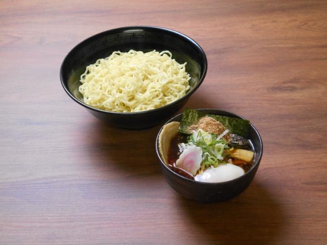魚介黒つけ麺 (安積PA 上下線)