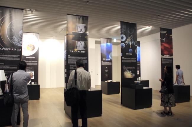 """パリで世界各国から集まったバイヤーやメディアといった""""目利き""""を魅了した数々の出展作品を一堂に集めて展示"""