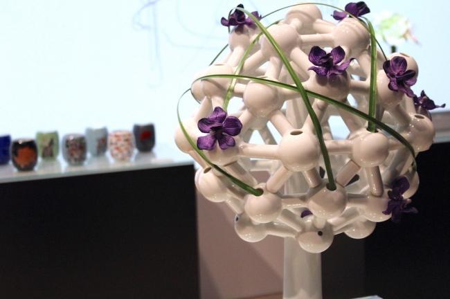 日本を代表するゲストクリエイターとのコラボ作品も展示、有田焼の多様な可能性と魅力を訴求
