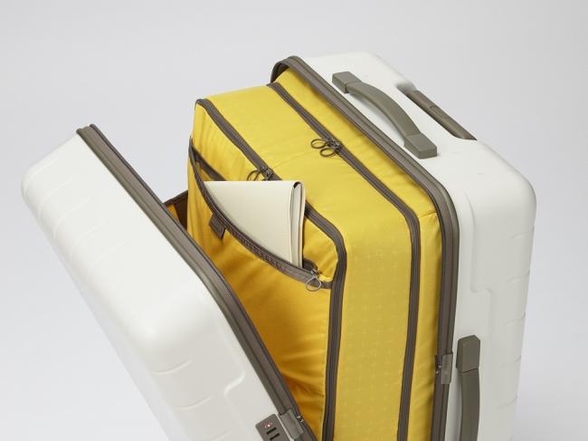0ee447bd77 プロテカ、タテにもヨコにも開くスーツケース「360」にキャスター ...