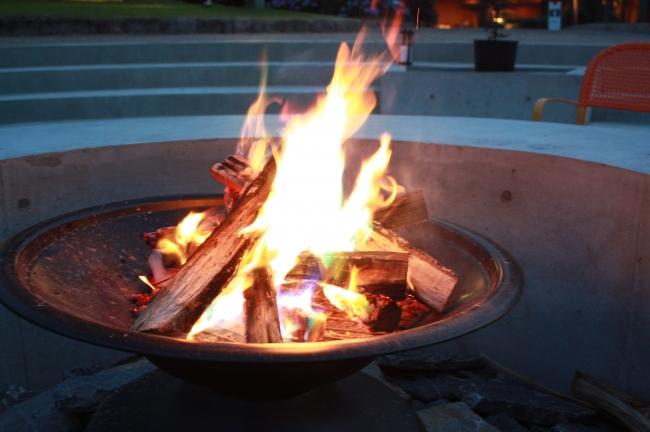 森の焚き火リビング