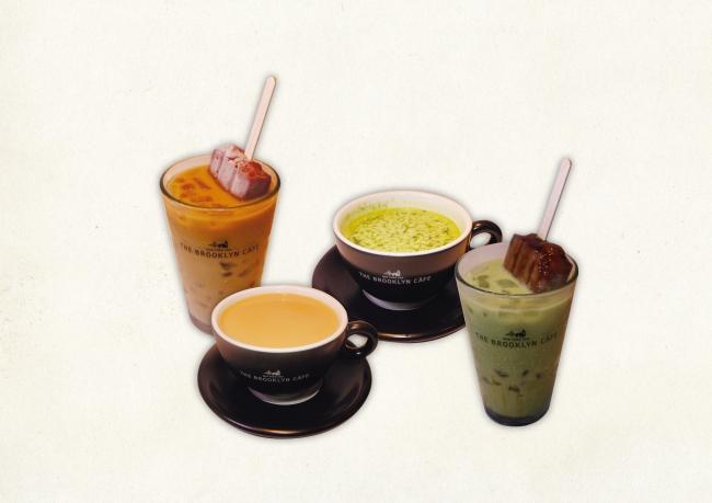 【上段/左より】 あずきバーAZUKIミルク あずきバー⾖乳抹茶オレ 【下段/左より】 あずきバーキャラメル⾖乳カフェオレ あずきバーAZUKI抹茶ミルク⼤⼈の⿊蜜きなこ