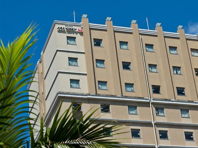 国際通りの中央に位置し、観光にもビジネスにも利便性抜群なホテルJALシティ那覇