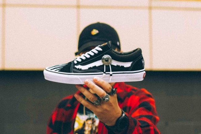WHITE TRACE STLLLV x VANS Old Skool Low Custom a8542617c