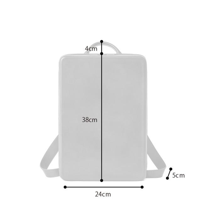 サイズ:24×38×5cm(幅×高さ×マチ)