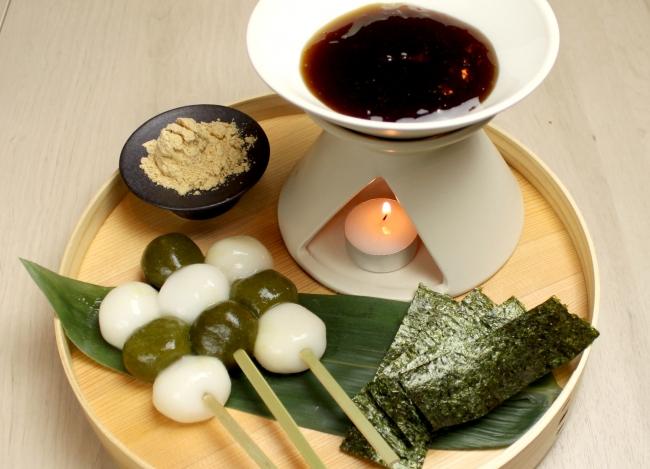 白玉団子と 茶団子の みたらし フォンデュ¥680(税抜)