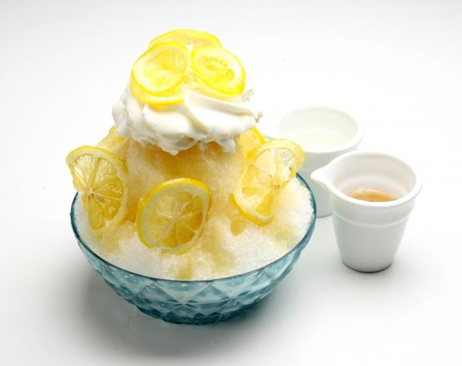 はちみつレモンの天然水 かき氷 ¥1,080《税抜》