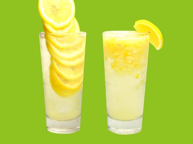 女子に人気の王道レモンサワー 『ガチのスライスタワーのレモン サワー』『鬼おろしレモンサワー』¥500~《税抜》