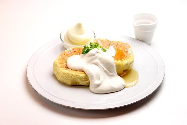 メープルクリームチーズスフレパンケーキ¥880《税抜》