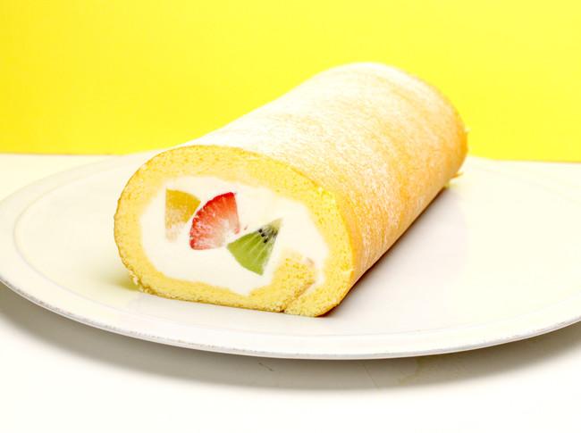 MIXフルーツロールケーキ¥1,580《税抜》