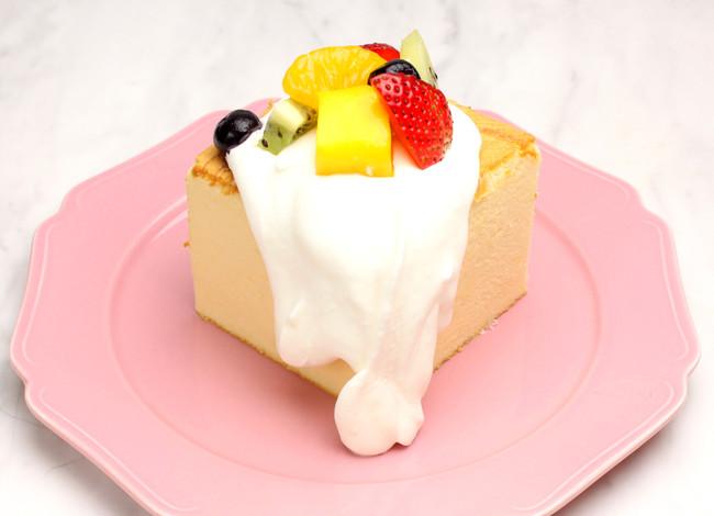 台湾カステラデコケーキ ミックスフルーツ ¥580