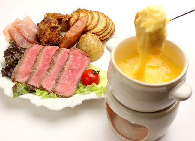 黄のチーズフォンデュ +ミートプレート ¥1,580