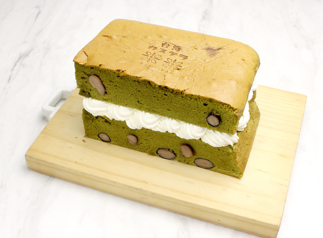 台湾カステラ 《抹茶黒豆 生クリーム サンド》¥1,130
