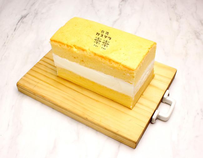 台湾カステラプレーン(蜂蜜入り) 生クリームサンド ¥880
