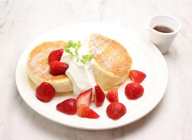 たっぷりいちごのスフレパンケーキ ¥1,280