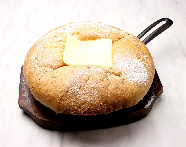 カルピスバターの 台湾カステラパンケーキ¥880