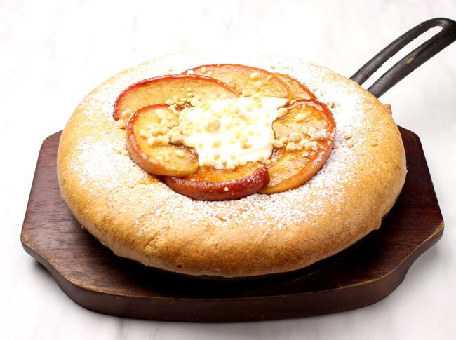 ダブルチーズと焼きリンゴの 台湾カステラパンケーキ¥1,180