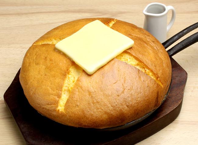 たまごカステラパンケーキ カルピスバター¥950